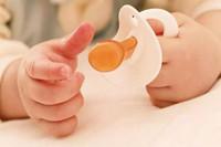 宝宝睡觉不要妈妈要安抚奶嘴 怎样戒掉安抚奶嘴睡觉