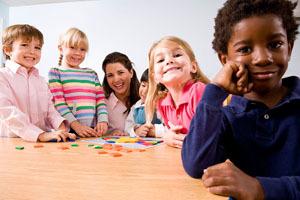 幼儿园中班语言教案《说说我自己》
