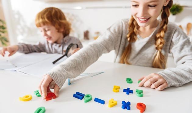 玩具对孩子智力的影响有多大 合适的年龄玩合适的玩具