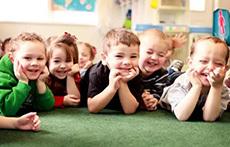 幼儿园托班安全教案 遵守交通规则请走斑马线