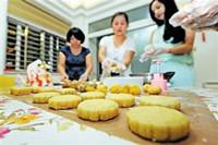 家庭做月饼的简单方法 妈妈们快速收藏做起来